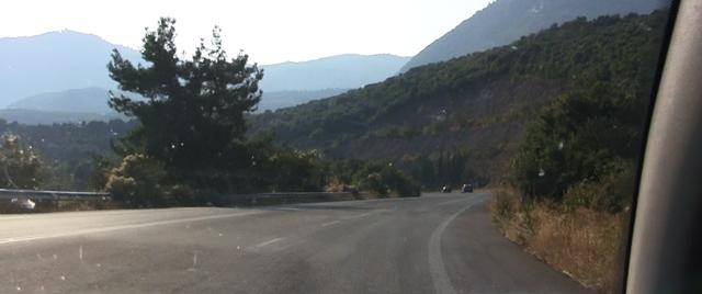 Cu masina in Grecia pe sosea
