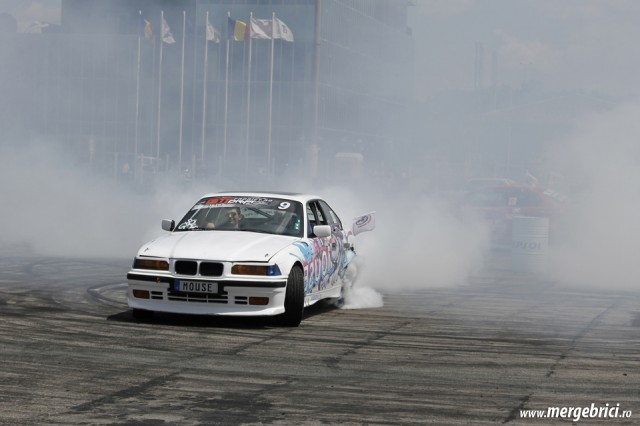 Drift burnout Mouse Cristi George (BWA 2013)