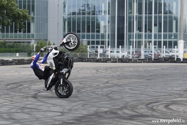 Chris Pfeiffer wheelie extrem (BWA 2013)
