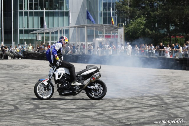 Chris Pfeiffer invers pe motor (BWA 2013)