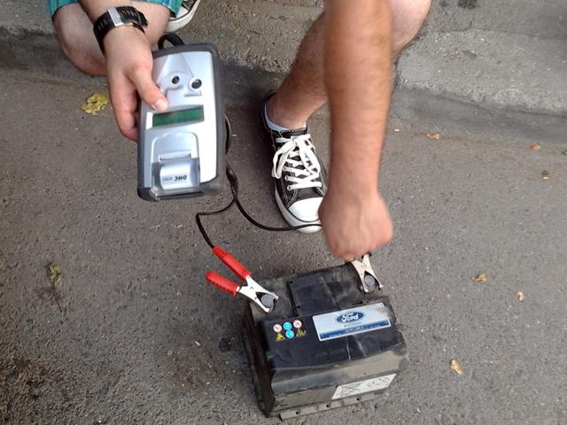 Tester baterie auto