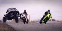 Drift battle extrem intre masini si motociclete