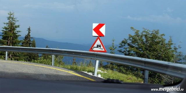 Pericol de alunecare pe Transbucegi (Drumul Babelor)
