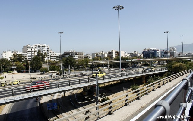 Iintersectie de sosele suspendate in Atena