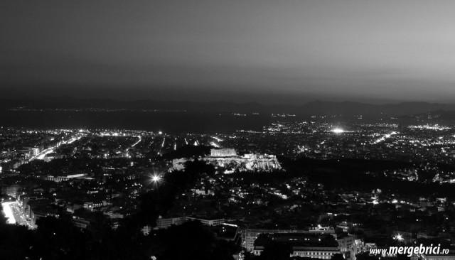 Atena noaptea - vedere spre Acropole
