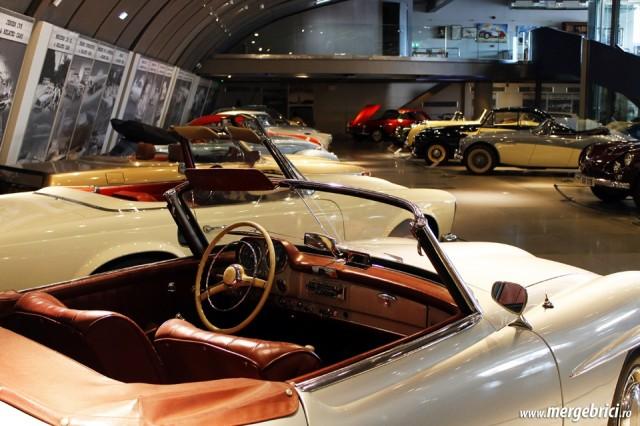 Expozitie de masini de epoca in Atena