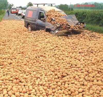 Accident masina cartofi