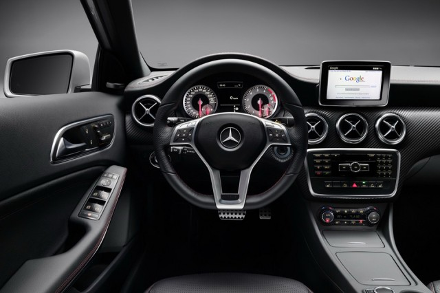 Mercedes A class - interior - tableta bord