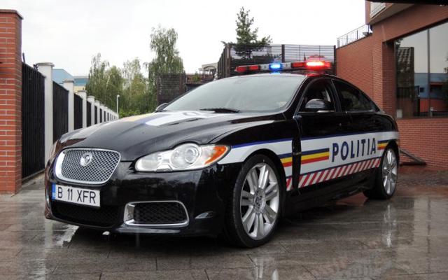 Masina de politie - Jaguar XFR