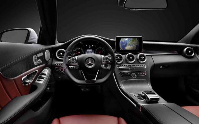 Mercedes Clasa C 2014 (interior)