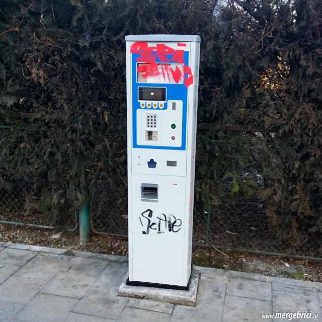 Automat parcare vandalizat in IOR Titan
