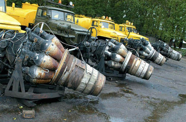 Camioane cu motor reactie - deszapezire Rusia