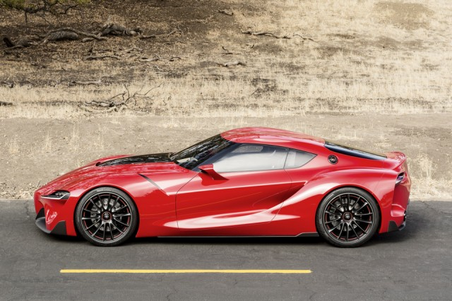 Toyota FT-1 - vedere laterala