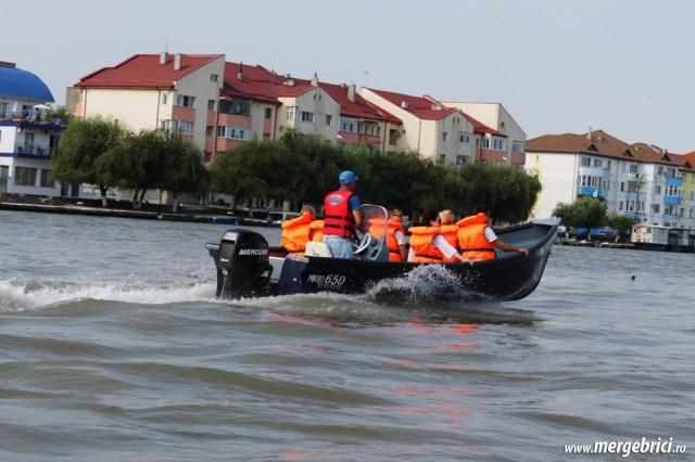 Excursie in Delta Dunarii pe canal Sulina cu barca