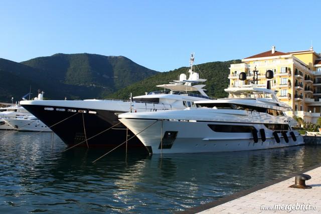 Portul Tivat cu iahturi - Muntenegru