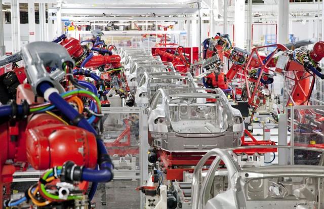 Fabrica Tesla - linie productie Tesla Model S