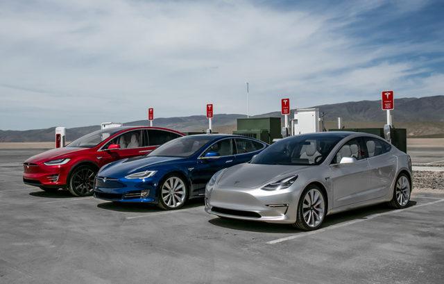 Gama masini electrice Tesla 2016