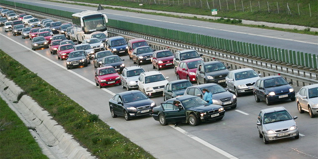 Cum se conduce in Romania pe autostrada