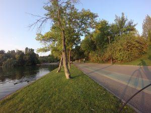 Exemplu foto camera video Garmin VIRB XE in parc