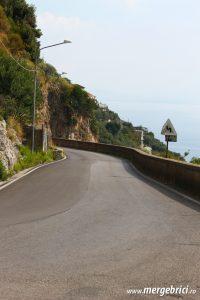 Italia: drum pe Coasta Amalfi