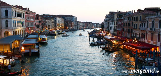 Italia: Grand Canale in Venetia seara