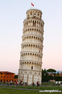 Italia: turn inclinat Pisa